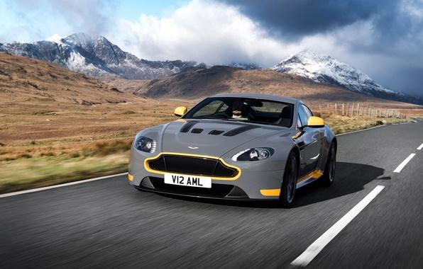 Картинка дорога, car, авто, Aston Martin, скорость, астон мартин, grey, yellow, V12, and, Vantage S, Sport-Plus …