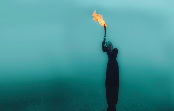 Картинка девушка, факел, в воде, Kindra Nikole, forsaken flame