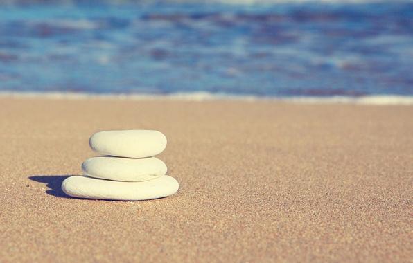 Картинка песок, море, волны, белый, пляж, вода, природа, камни, фон, widescreen, обои, волна, wallpaper, широкоформатные, background, …