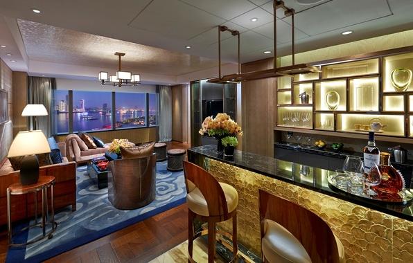 Картинка дизайн, город, стиль, диван, вид, интерьер, подушки, номер, бокалы, окно, кресла, посуда, Shanghai, отель, коньяк, …