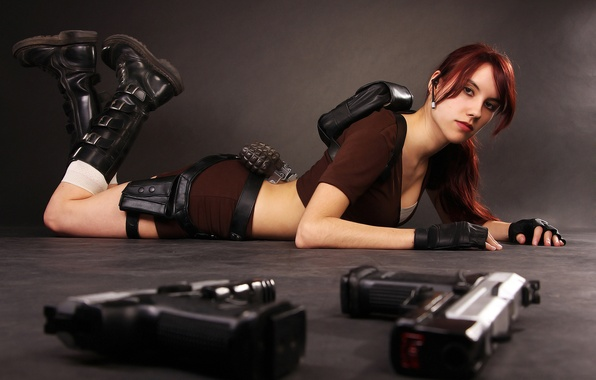 Картинка девушка, пистолеты, лежит, Tomb Raider, гранаты, cosplay, Lara Croft