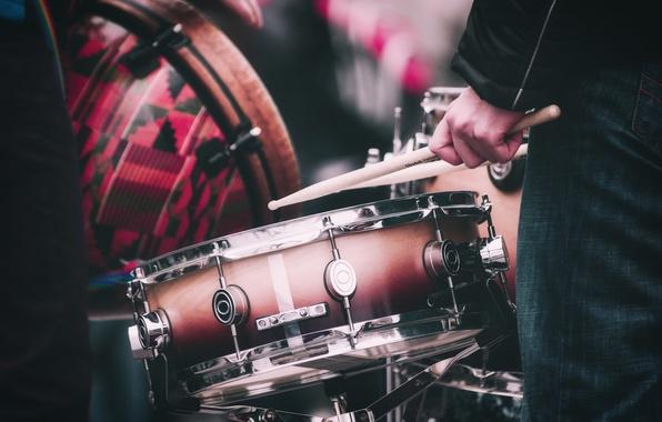 Фото обои барабаны, музыканты, барабанные палочки, музыка