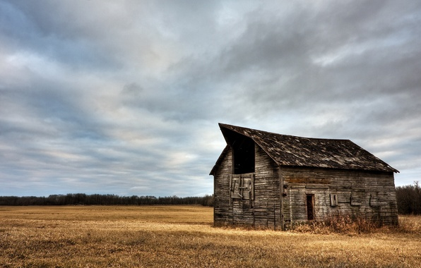 Картинка поле, трава, облака, природа, дом, пейзажи, небеса, house, grass, леса, sky, clouds, fields, деревья landscape