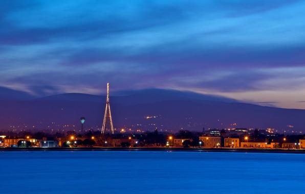 Картинка небо, облака, свет, горы, огни, река, синева, дома, вечер, фонари, Ирландия, сумерки, набережная, столица, Ireland, …