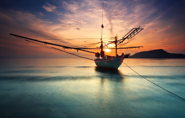 Картинка море, небо, вода, солнце, облака, горы, гладь, океан, лодка, пейзажи, тишина, корабль, гора, корабли, яхты, ...
