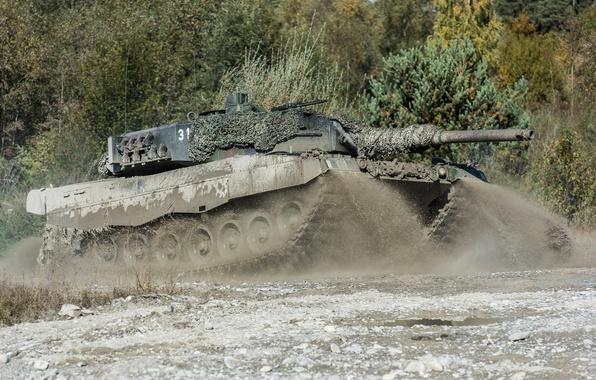 Картинка грязь, танк, боевой, Leopard 2, маневры