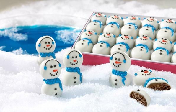 Картинка зима, снег, еда, Новый Год, Рождество, конфеты, снеговик, Christmas, food, winter, snow, праздники, New Year, …