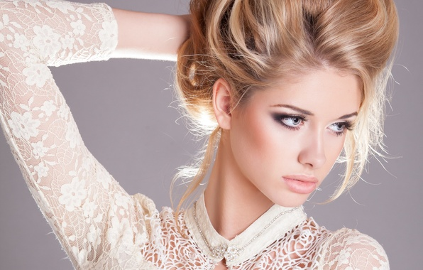 Картинка взгляд, девушка, модель, волосы, руки, макияж, прическа