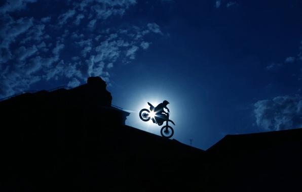 Картинка небо, облака, город, человек, мото, силуэт, маневр, байкер, экстрим, ночной, bike, гонщик, трюк, racer, wallpaper., …
