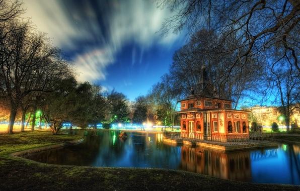 Картинка небо, облака, деревья, пруд, парк, домик