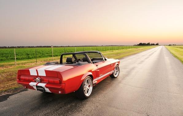 Картинка дорога, поле, небо, красный, полосы, тюнинг, Mustang, Ford, Shelby, Кабриолет, Форд, Мустанг, вид сзади, tuning, ...