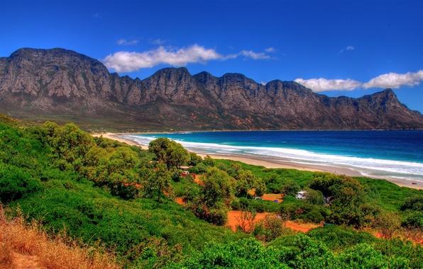 Картинка песок, море, зелень, лето, небо, трава, пена, вода, облака, пейзаж, горы, камни, океан, скалы, отдых, …