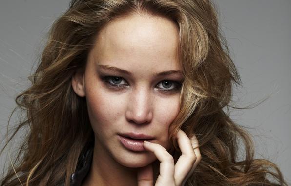 Картинка взгляд, девушка, лицо, фон, волосы, актриса, куртка, губы, красотка, Jennifer Lawrence, Дженнифер Лоуренс