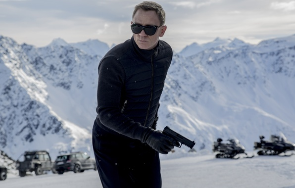 Картинка Action, Nature, Cars, Winter, Daniel Craig, 007, Black, Snow, Wallpaper, Guns, Mountains, James Bond, Year, ...