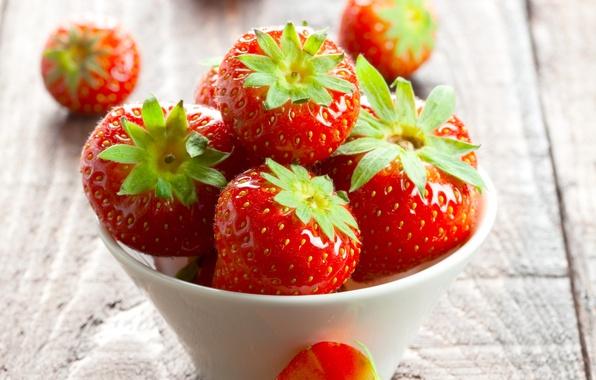 Картинка лето, ягоды, стол, клубника, красные, пиала
