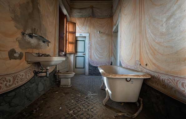 Картинка дверь, окно, ванна
