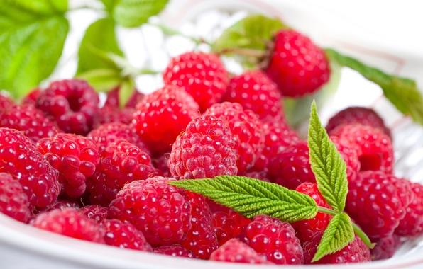 Картинка листья, ягоды, малина, тарелка