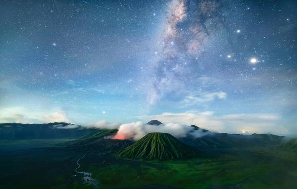 Картинка горы, ночь, путь, остров, вулканы, млечный, Бромо, Ява, Тенгер, небо.звезды, тектонический комплекс