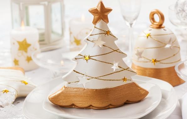 Картинка зима, стол, елка, свечи, Новый Год, бокалы, Рождество, фонарик, посуда, ёлка, декорации, Christmas, колокольчик, фигурки, …