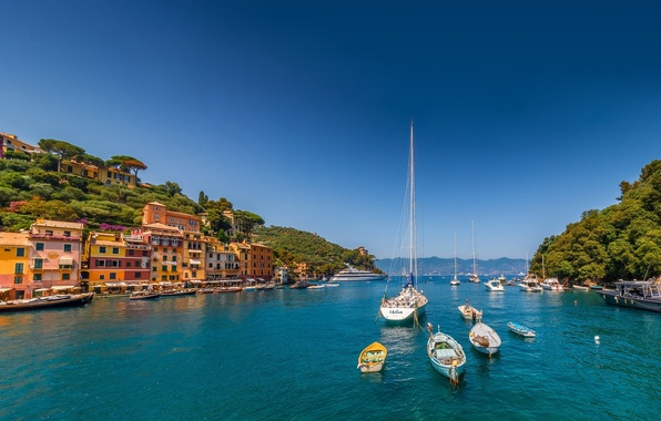 Картинка море, здания, яхты, лодки, Италия, Italy, Лигурийское море, гавань, Портофино, Portofino, Лигурия, Liguria, Ligurian Sea