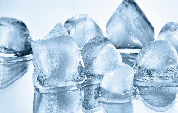 Картинка лед, вода, макро, отражение, кубики