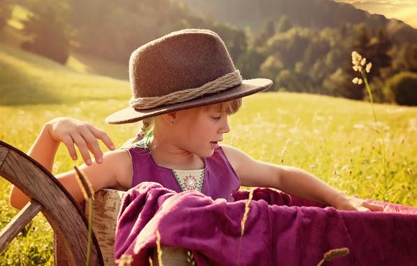 Картинка лето, природа, луг, девочка, шляпка, телега, ребёнок