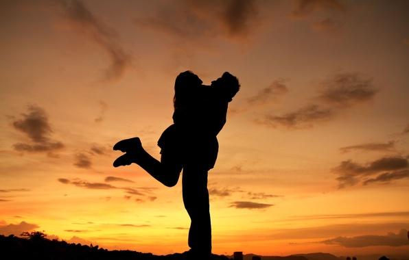 Картинка небо, девушка, облака, любовь, закат, природа, фон, widescreen, обои, настроения, женщина, чувства, силуэт, пара, wallpaper, …