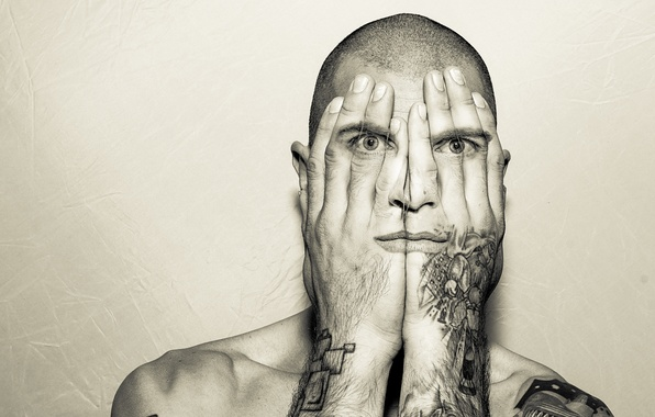 Картинка глаза, рот, руки, татуировка, мужчина, eyes, man, tattoo, digital art, hands, mouth, цифровое искусство