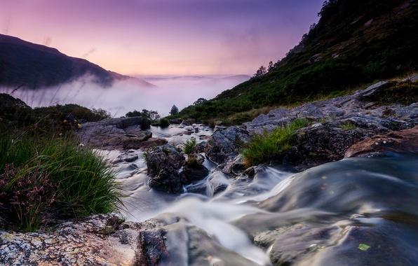 Картинка пейзаж, горы, туман, река, камни, поток, утро, Великобритания, Уэльс