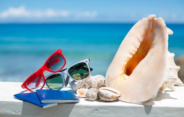 Картинка summer, beach, sea, sun, blue sky, glasses, vacation, shells, accessories