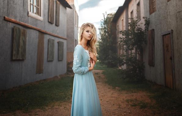 Картинка девушка, дома, платье, блондинка, Алиса Тарасенко