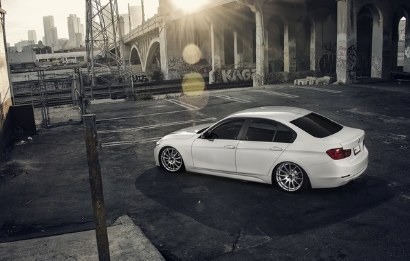 Картинка BMW, City, Sun, White, Back, 328i, F30, Alpine, Wheels, VMR