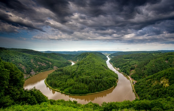 Картинка лес, небо, облака, деревья, пейзаж, тучи, природа, река, вид, высота, Германия, изгиб, панорама, river, Germany, …