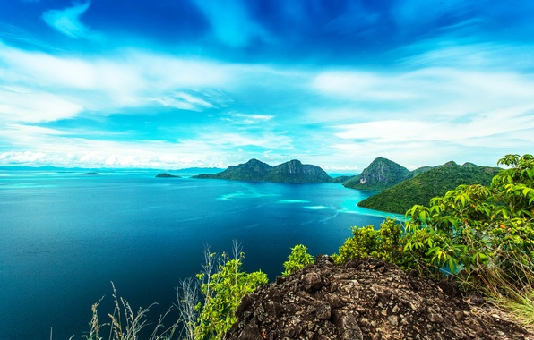 Картинка море, небо, облака, деревья, горы, тропики, камни, скалы, побережье, горизонт, кусты, вид сверху, Малайзия, Bohey ...