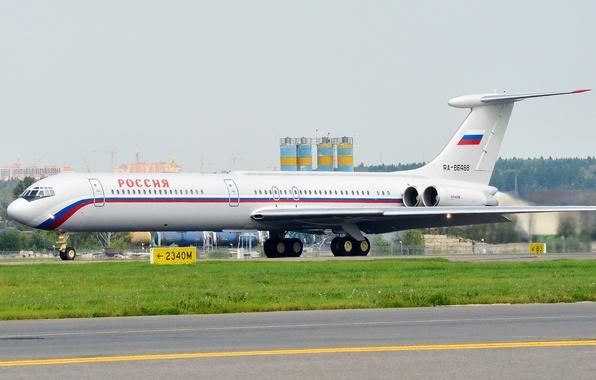 Картинка аэропорт, Россия, самолёт, ОКБ, Ильюшин, ВПП, Ил-62, Авиакомпания