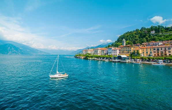 Картинка горы, озеро, здания, яхта, Италия, набережная, Italy, озеро Комо, Bellagio, Ломбардия, Lombardy, Lake Como, Белладжо