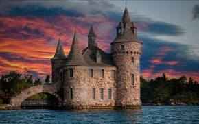 Картинка небо, облака, деревья, закат, озеро, река, замок, башня