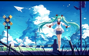 Картинка небо, девушка, облака, птицы, улыбка, столбы, провода, аниме, арт, светофор, vocaloid, hatsune miku, haraguroi you