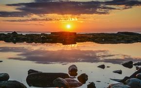 Картинка fireball, pool, sea, ocean, clouds, rocks, sun, sunrise, stones, reflection, sunlight, mirror, Atlantic, sunrays