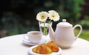 Обои цветы, чай, чайник, чашка, ваза, столик, булочки