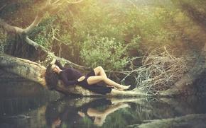 Картинка вода, отражение, дерево, платье, Tatiana Alvarez