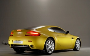 Обои Aston Martin, желтый, Vantage