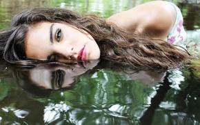 Картинка вода, девушка, отражение, волосы, макияж
