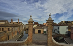 Картинка мост, дома, ворота, Италия, канал, Эмилия-Романья, Комаккьо, Комаччьо