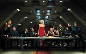 Обои стол, люди, красное, корабль, ситуация, платье, галактика, сериал, Battlestar Galactica, сайлоны, Tricia Helfer