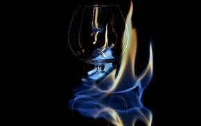 Обои пламя, бокал, спирт