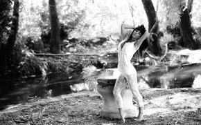 Картинка девушка, природа, стройная, ч/б, декольте, ножки, красивая, кружево, photographer, позирует, сексуальная, личико, Giovanni Zacche