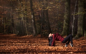 Картинка осень, лес, девушка, танец, Leslie