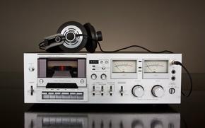 Картинка ретро, музыка, размытость, наушники, проигрыватель, headphones, кассета, магнитофон, hi-tech, музыкальный, боке, кассетный, стационарный, wallpaper., technology