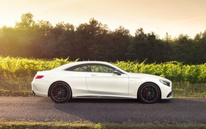 Обои mercedes-benz, s-class, s63, amg, coupe, white, profile, car magazine
